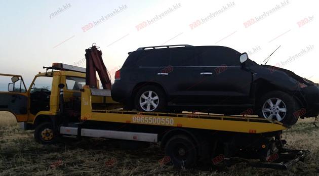 ДТП под Бердянском: внедорожник Lexus сделал несколько кульбитов