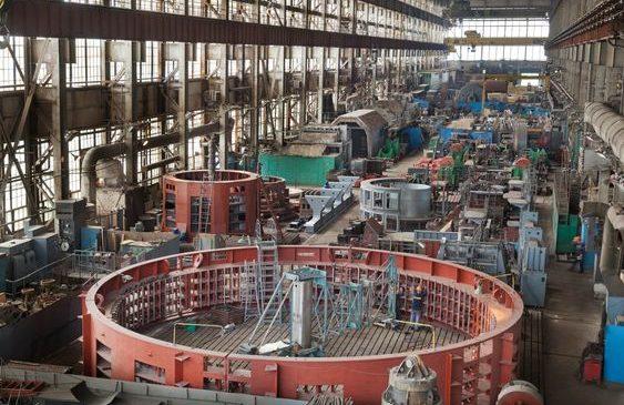 Дмитрий Костюк: «Мы удержали завод, который работает стабильно, пятитысячный коллектив обеспечен рабочими местами»
