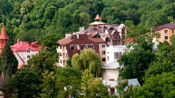 Львовская и Херсонская области вышли в лидеры по внутреннему туризму