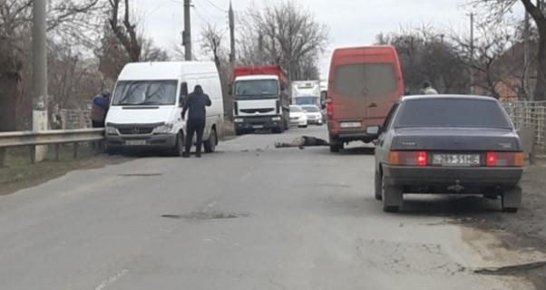 ДТП в Пологах: Мотоциклист скончался после столкновения с Mercedes Sprinter, — ФОТО