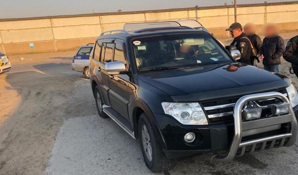 В Энергодаре пьяный водитель Mitsubishi Pajero угрожал полицейским