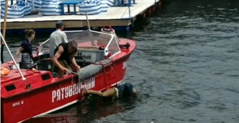 В Запорожье из Днепра подняли труп гражданина Ирландии, – ВИДЕО