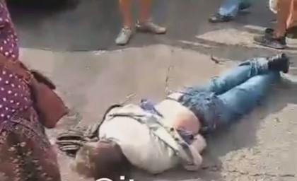 """В центре Запорожья женщина попала под """"Газель"""", – ВИДЕО"""