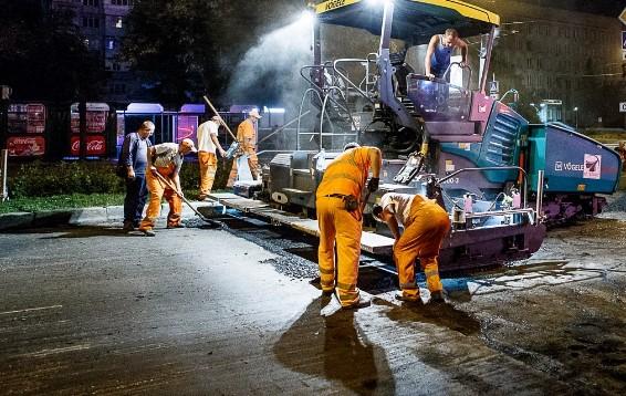 В Запорожье продолжается ремонт тротуаров