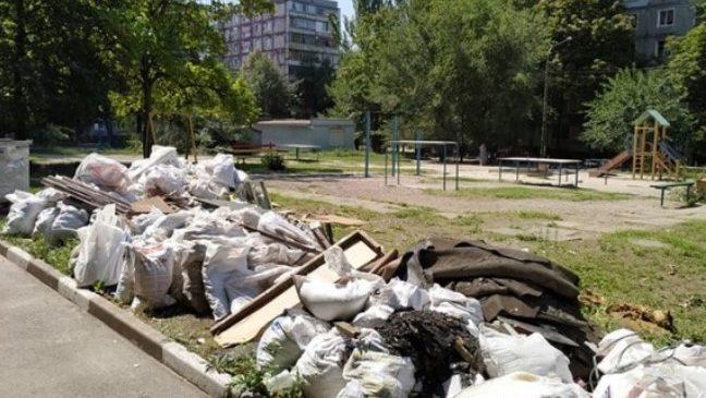 Запорожцев будут штрафовать за строительный мусор
